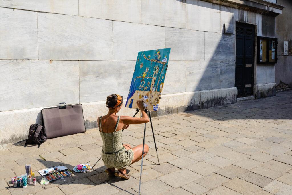 Künstlerin in Venedig